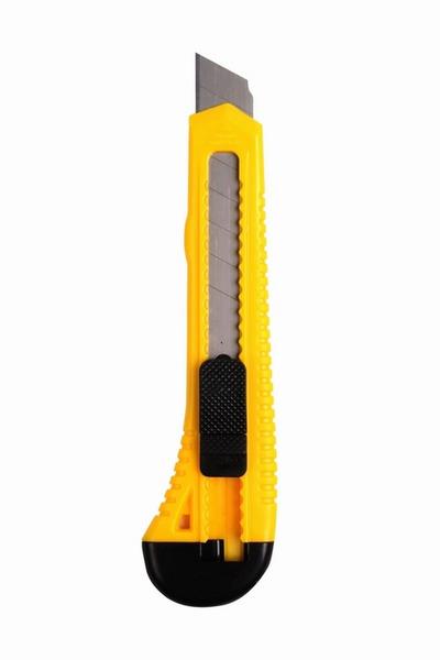 Нож с сегментированным лезвием 18 мм  корпус пластик REXANT 12-4903